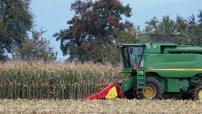 Utilaje agricole John Deere